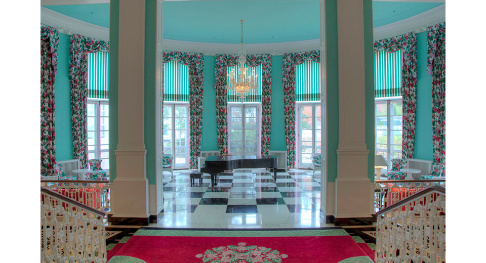 A foyer in the Greenbrier Hotel, this time in fuchsia and turquoise. Designed by Dorothy Draper
