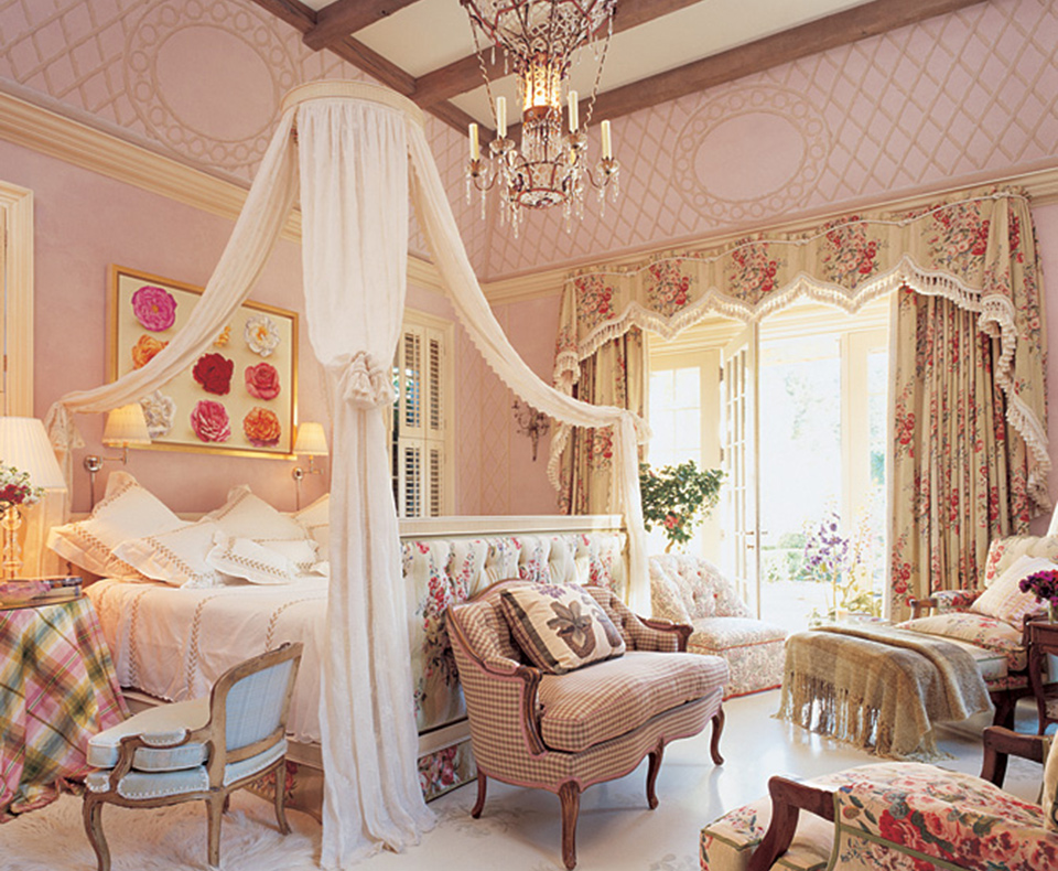 Mariah Carey's romantic, opulent and comforting bedroom by Mario Buatta