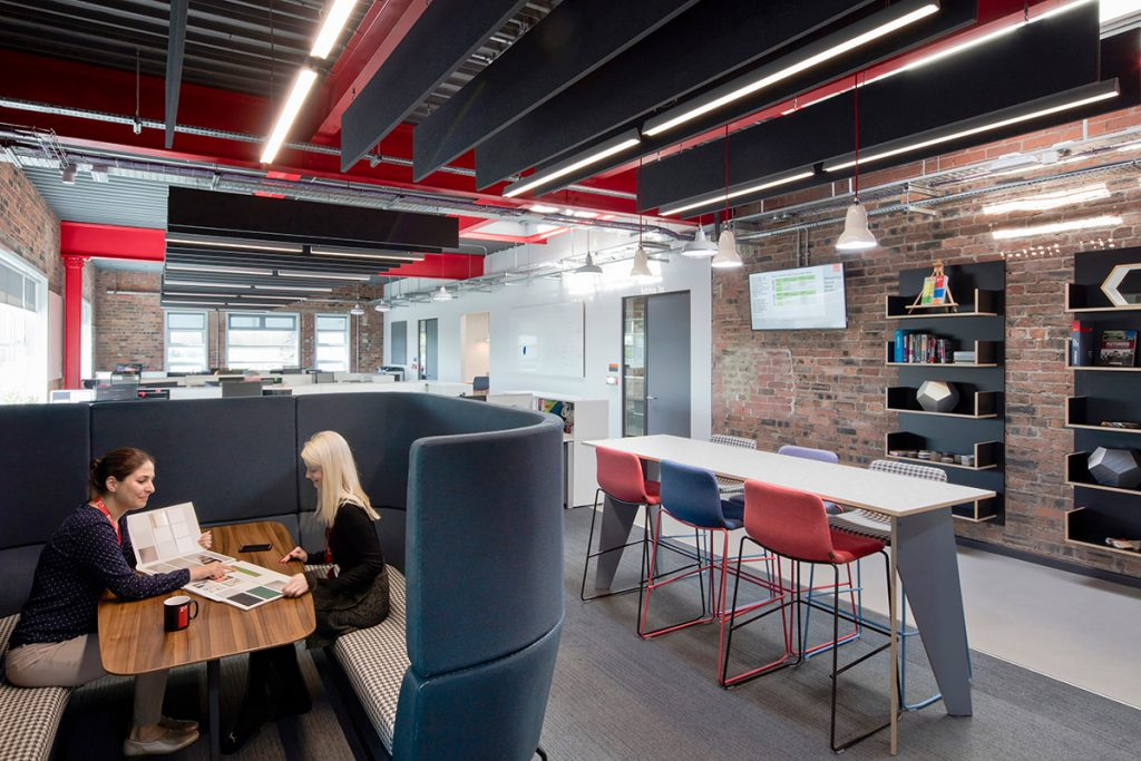 Each office space at Formica's European HQ has been designed to be open-plan, inter-connecting seamlessly. Users have the choice of using either their own dedicated spaces such as meeting pods, high bar meeting tables and drink points or shared spaces which promote cross-collaboration. - Interior design by Contents Design